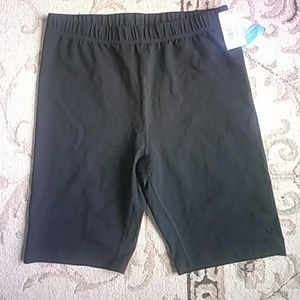 NWT champion double dry compression shorts. Black.